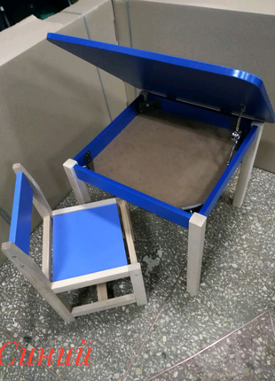 Набор детский столик с пеналом и стульчик