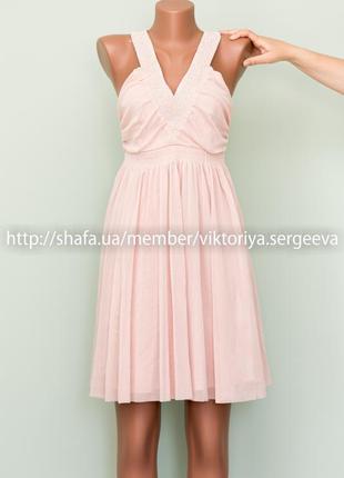 Вечернее красивое платье с бисером в зоне декольте пудрового ц...