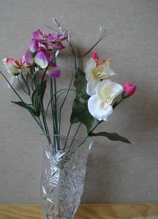 Искусственные цветы букет с орхидеей