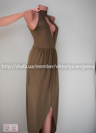 Очень красивое вечернее платье миди с чокером с юбкой на запах