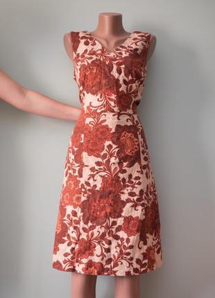 Красивое льняное платье миди в принт