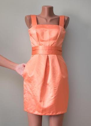 Красивое вечернее «атласное» платье с пышной юбкой и приоткрыт...