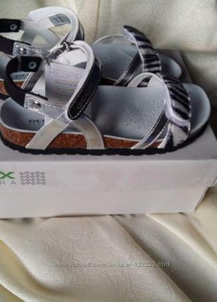 Новые geox размер 33