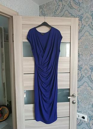 Красивое легкое платье миди длины сверху запах