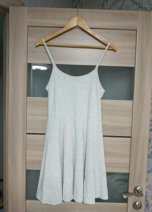 Базовое серое платье на тонких бретелях хлопок