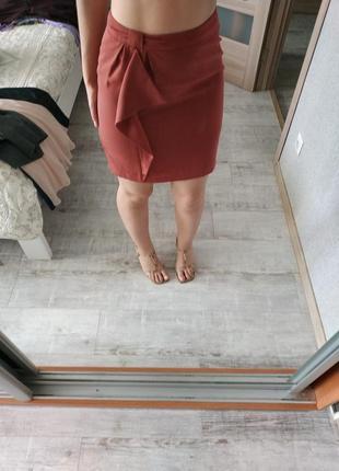 Красивая юбка с рюшей цвета пыльной розы