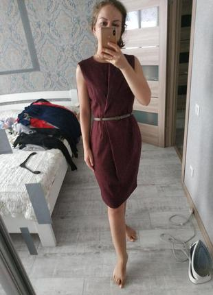 Красивое стильное платье миди длины