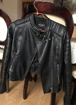 Шкіряна куртка жіноча PULL&BEAR