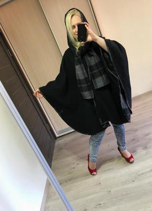 Шерстяное пальто кейп с капюшоном