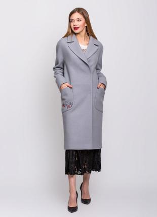 Скидка! шикарное женское длинное серое весеннее пальто с вышив...