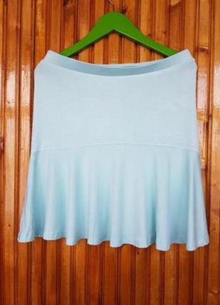 Летняя пляжная мини юбка stradivarius мятного цвета.