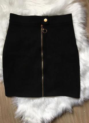 Чёрная замшевая юбка с замочком