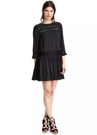 Красивое платье h&m с кружевными вставками.