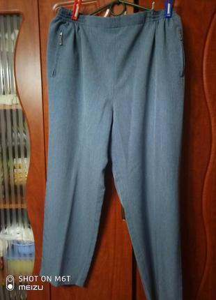Шикарные легкие офисные брюки батал