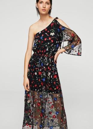 Шикарное вышитое цветами платье сетка mango.
