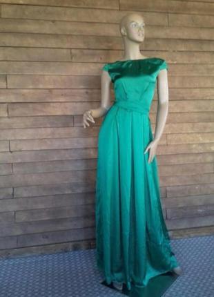 Плаття з бомбезною спинкою