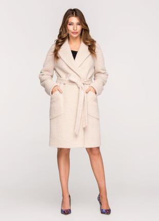 Стильное женское весеннее бежевое пальто в мелкую клетку с поя...