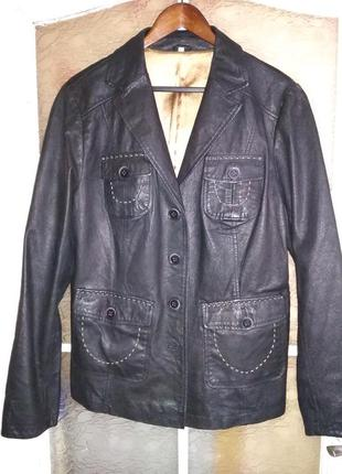 Розвантажуюсь кожаный пиджак-куртка