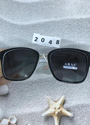 Солнцезащитные очки черные линзы с белыми дужками к. 2048