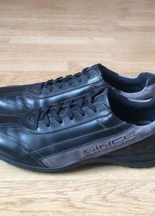 Кожаные кроссовки ecco  46 размера в состоянии новых