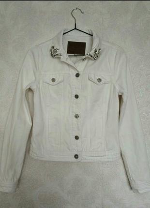 Джинсовая куртка пиджак белая молочная бренда river island, р....
