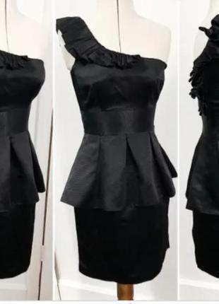 Ефектное платье с баской warehouse