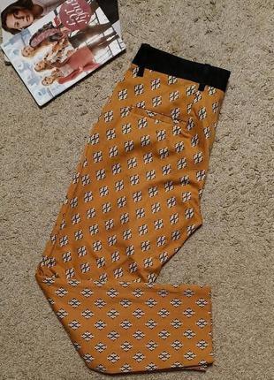 Идеальные брюки с принтом от zara