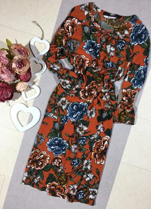 Трендовое красивое платье с вискозы в цветочный принт.