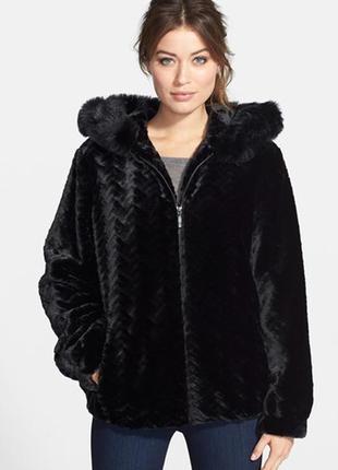 Шуба куртка из искусственного меха с капюшоном в тонкую полоск...