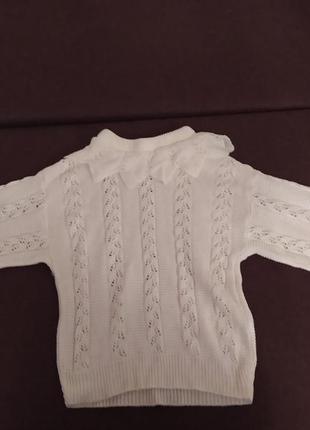 Ажурный белый свитер с интересным воротничком