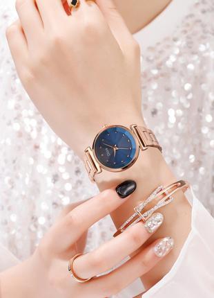 Женские часы на браслете Disu