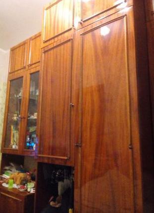 Срочно!Стенка лакированная+шкаф для телевизора .покупателю бонус!