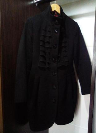Шикарное натуральное фирменное пальто