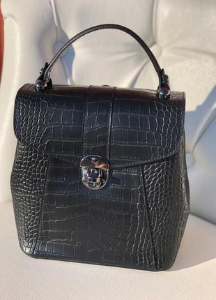 Красивая рюкзак-сумка из натуральной кожи. новая коллекция!!!