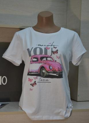 Белая летняя футболка