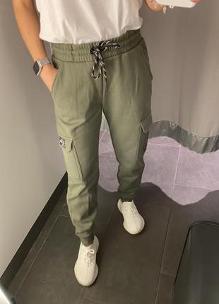 Спортивные штаны цвета хаки треники amisu есть размеры