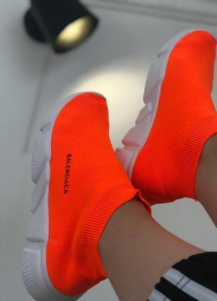 Ярко оранжевые кроссовки носки на высокой подошве