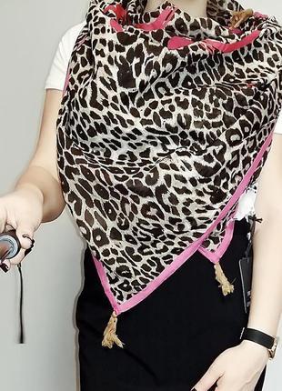 Большой шейный весенний платок в леопардовый принт friis & com...