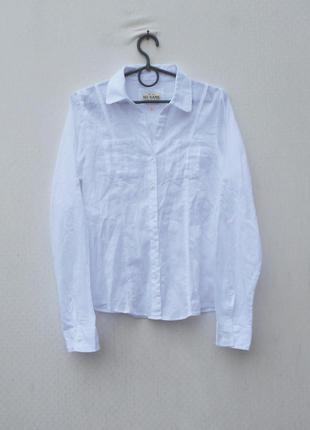 Белая легкая хлопковая приталенная рубашка с воротником с длин...