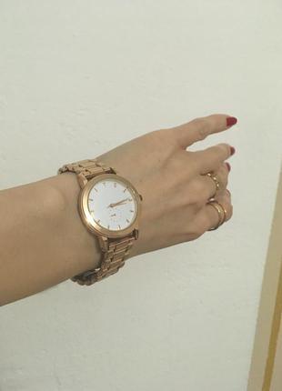 Срочно! переезд! стильные золотистые часы top secret
