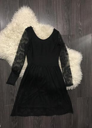 Чёрное платье gina tricot
