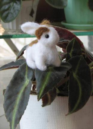 Кролик игрушка ручной работы