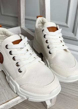 Белые кроссовки женские текстильные легкие