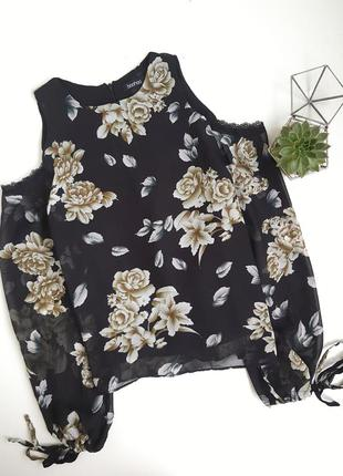 Нежная весенняя блуза в цветы