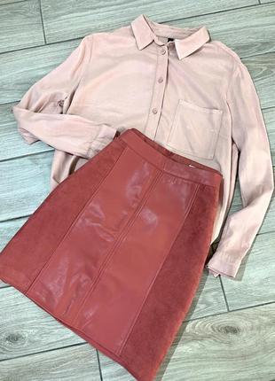 Женская юбка  из кожзама и замша, как новая на подкладке