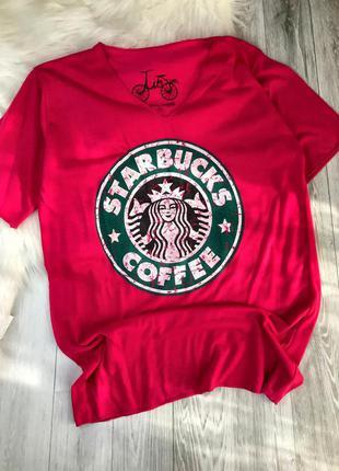 Яскрава футболка starbucks