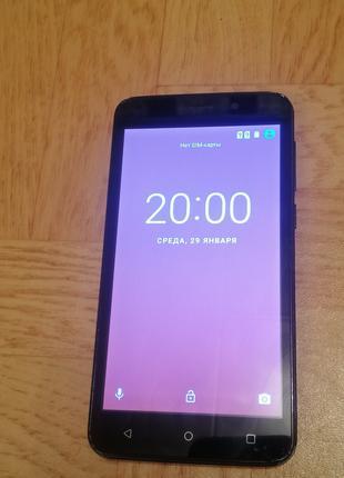 Продам телефон Fly FS509 Nimbus9 в хорошем состоянии