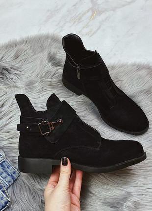 Новые шикарные женские весенние черные ботинки