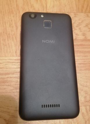 Продам рабочий телефон Nomi i5012 недорого
