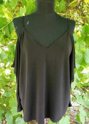 Блуза открыты плечи